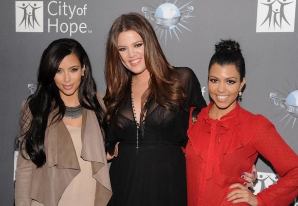 kim+khloe+kourtney+kardashian Kardashian Style Acrylic Makeup Organizer Giveaway!
