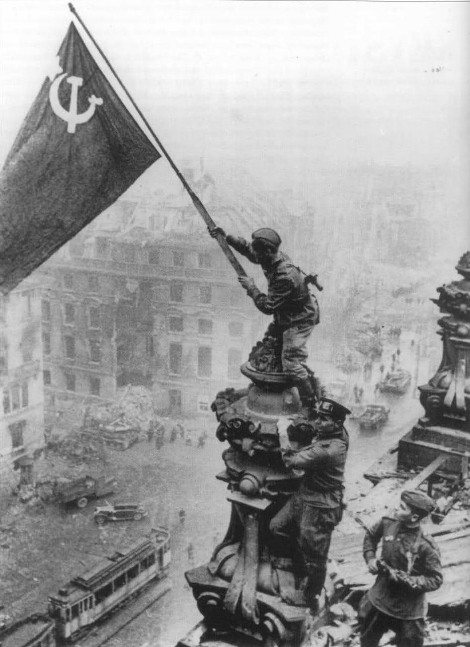 Y un día como hoy, se rendían los nazis... Caida+berlin_1