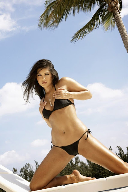 Hot Sensuous Sunny Leone in Black Bikini HQ Wallpapers