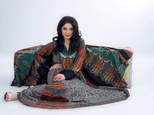 Pakistani Model Ayesha Omar Looks Beautiful in Eastern Wear