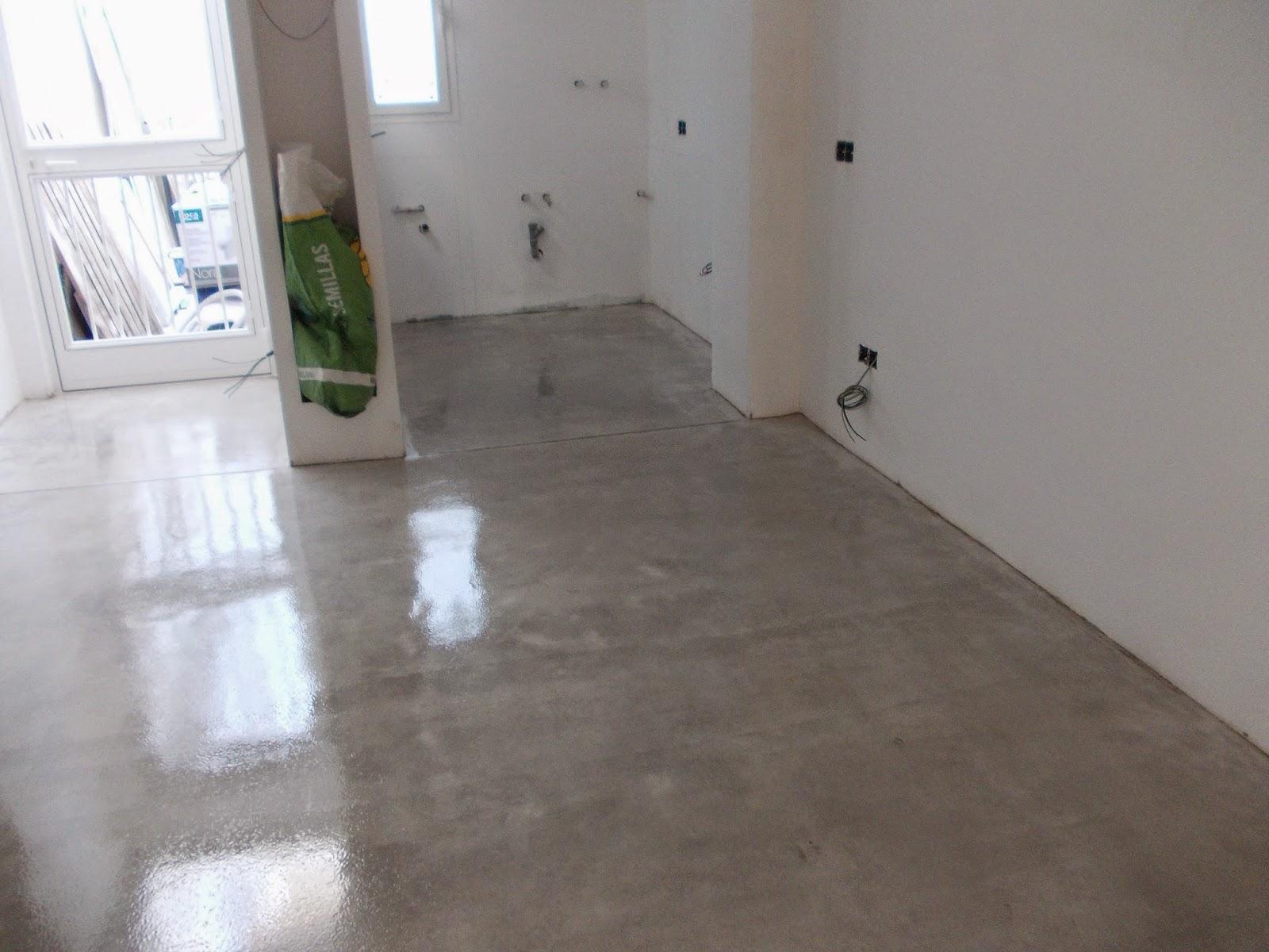 Pavimento continuo de hormig n en vivienda color gris for Corte de pavimentos de hormigon