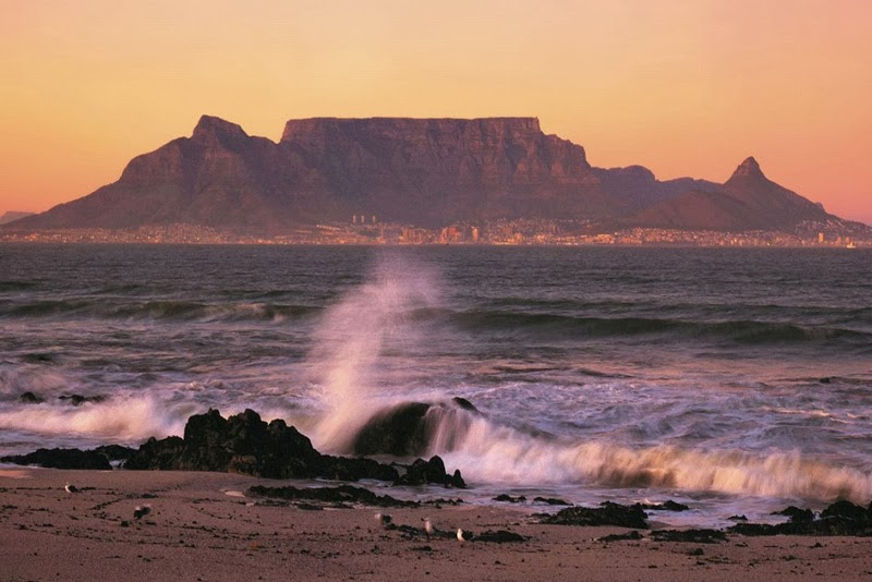 Happy holiday holiday around the world for Table mountain