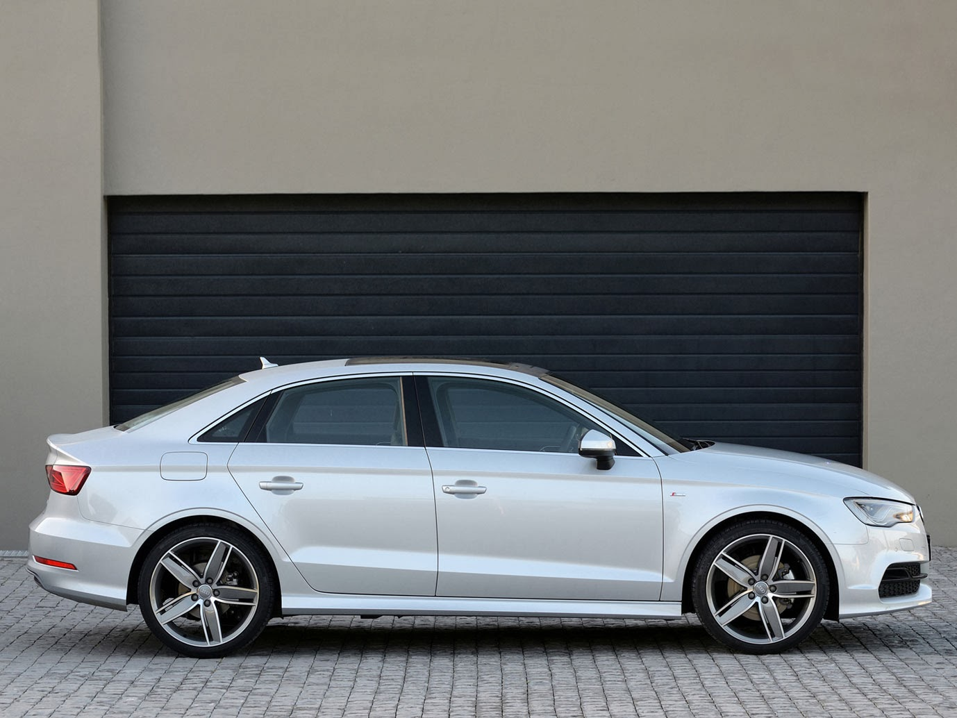 Lancamento Audi Sedan Guscar