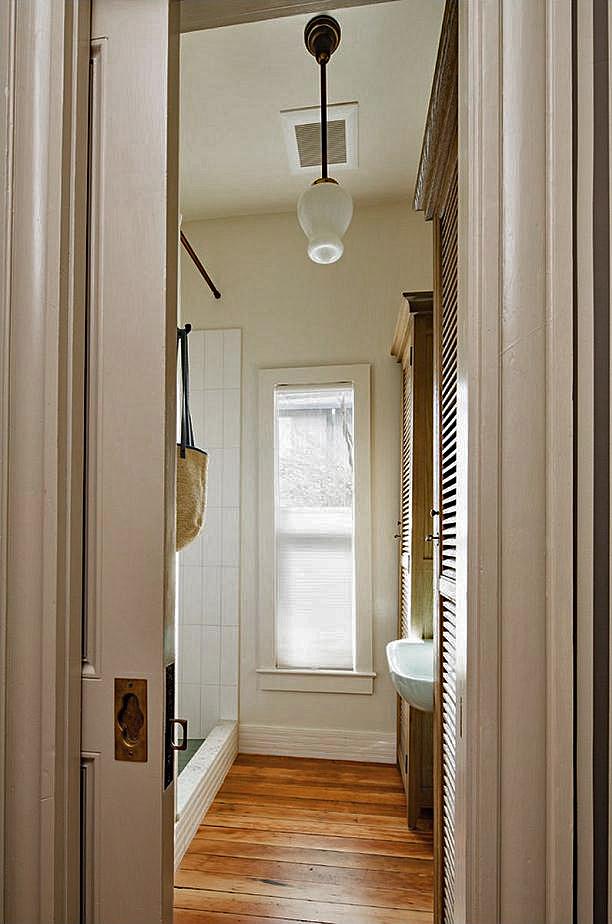 Vicki Simon Interior Design   Simple Accordian/Pleated Shade