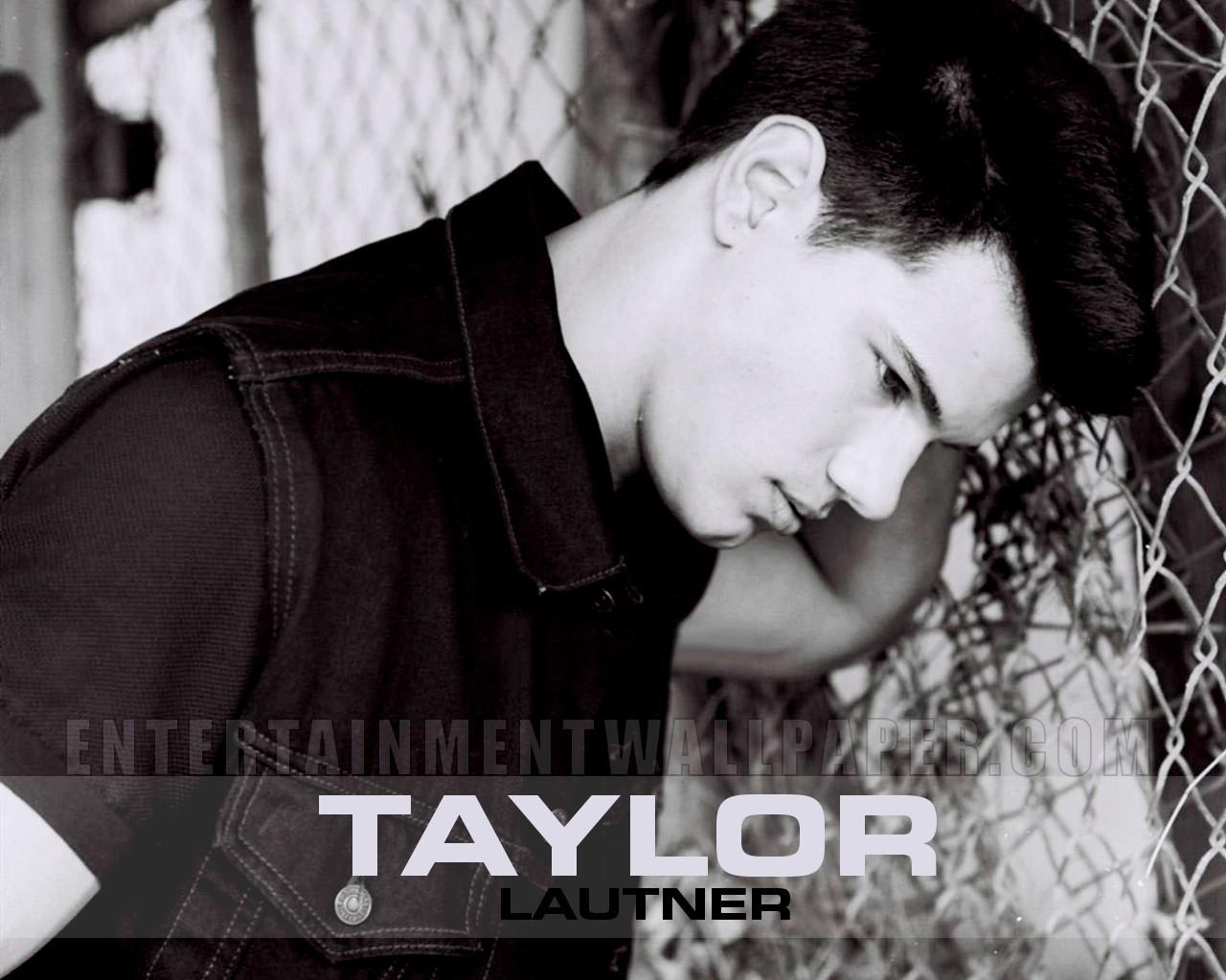 http://3.bp.blogspot.com/-qize9tfMreA/TzN0LDrkjdI/AAAAAAAAB1Y/AkJHhUK_tvE/s1600/Taylor-Lautner-wallpapers-4.jpg