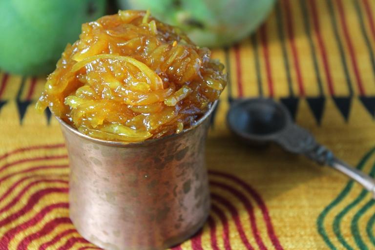 Mango Chunda Recipe / Gujarati Sweet Mango Pickle Recipe