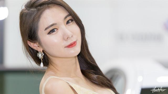 1 Min Yu Rin - 2015 Seoul Auto Salon - very cute asian girl-girlcute4u.blogspot.com