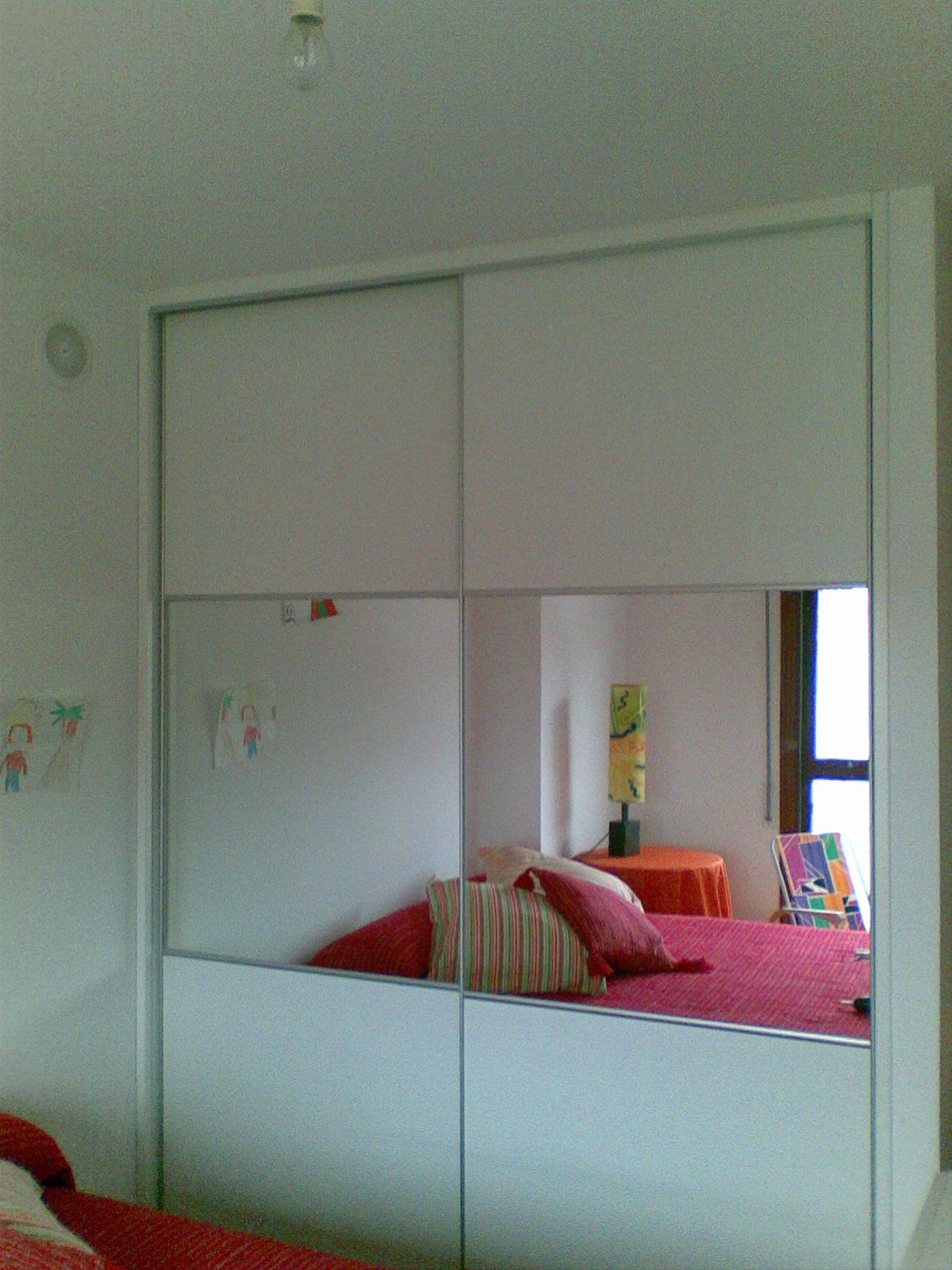 Sfc muebles sostenibles y creativos armarios - Armarios empotrados de aluminio ...