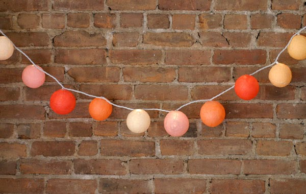 Vintage chic blog decoraci n vintage diy ideas para for Guirnalda de luces bolas
