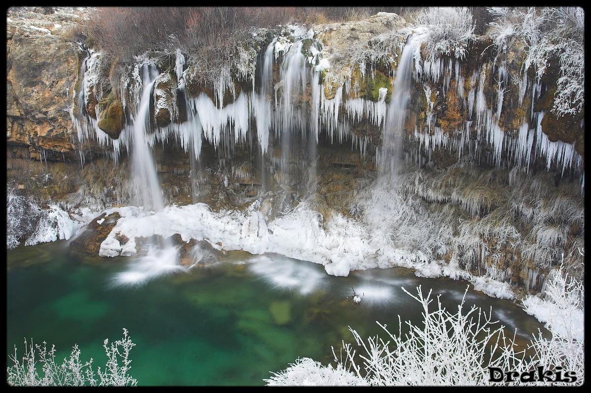 Cascada Del Molino De San Pedro (cerca de El Vallecillo)