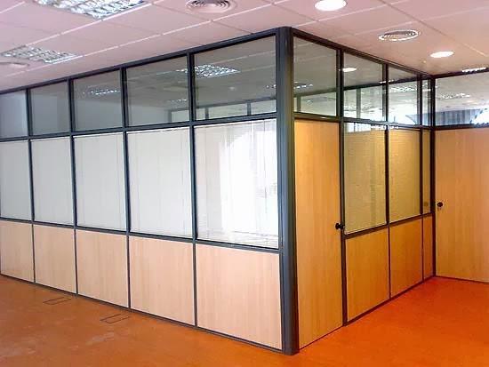 Mamparas de oficina dise o fabricaci n y montaje por for Mamparas oficina