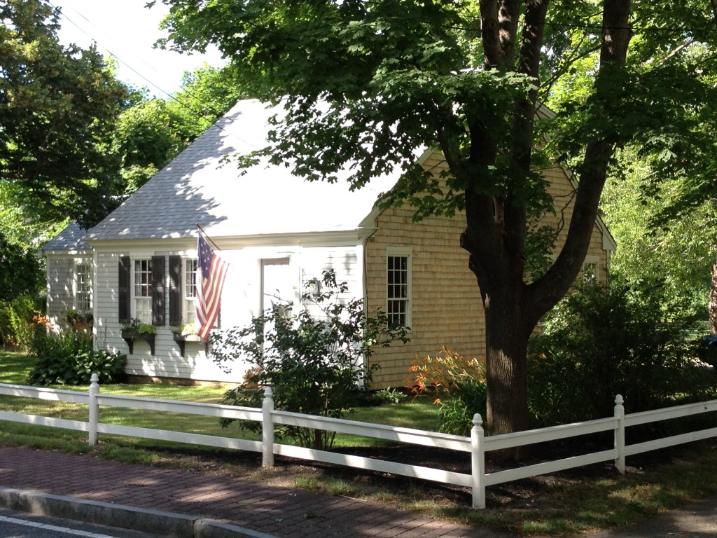 Cape cod historic homes blog 18th century half cape for Century home builders