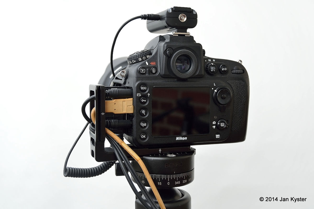 Nikon D800 w/ Hejnar ND800 MLB slid off / all remote cables connected / back side view hor.