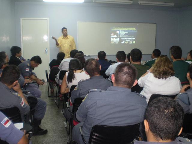 Ronda no Bairro fortalece parceria com escolas nas zonas leste e centro-sul