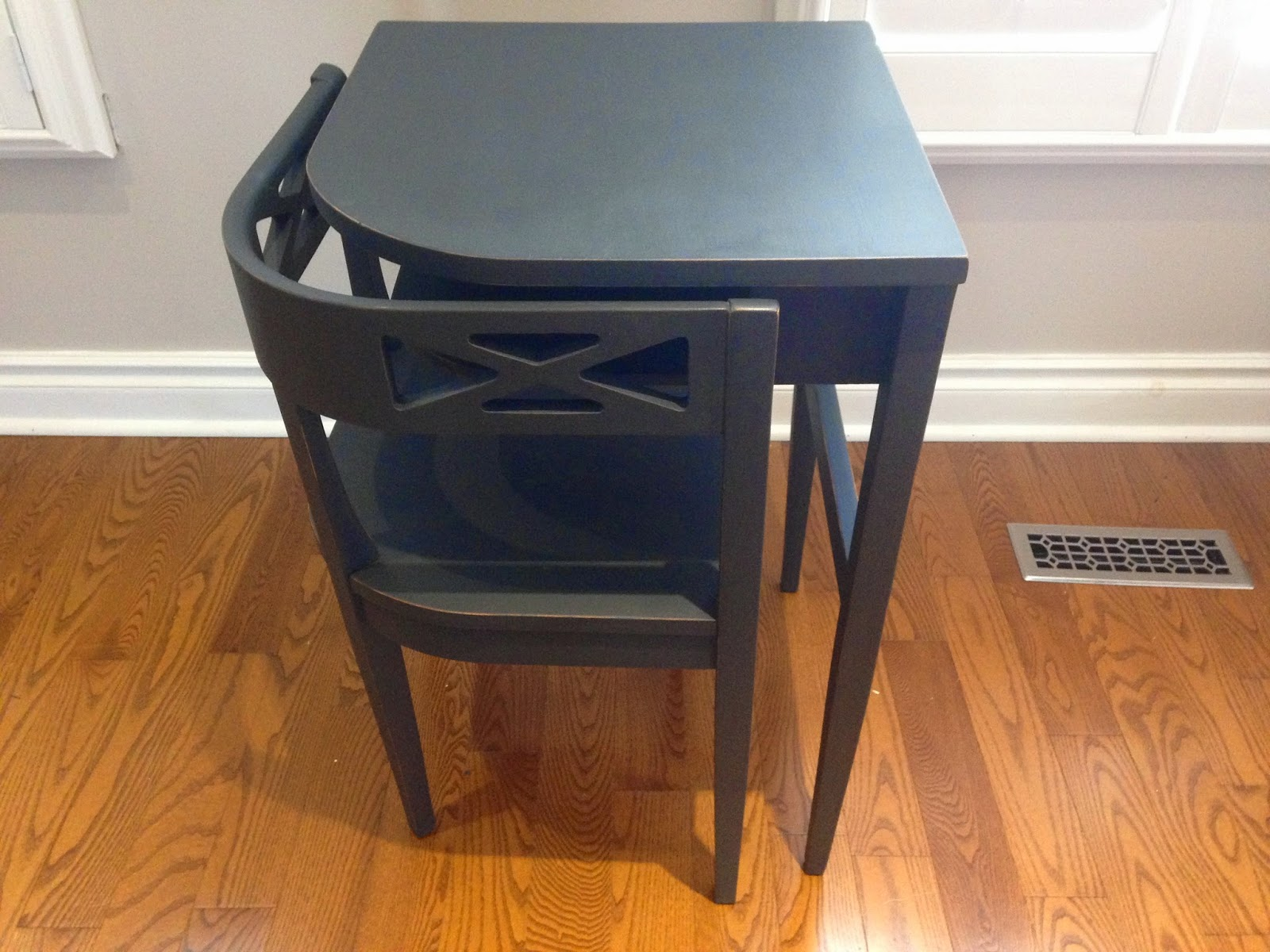 Telephone Table Painted With Chalk Finish Paint