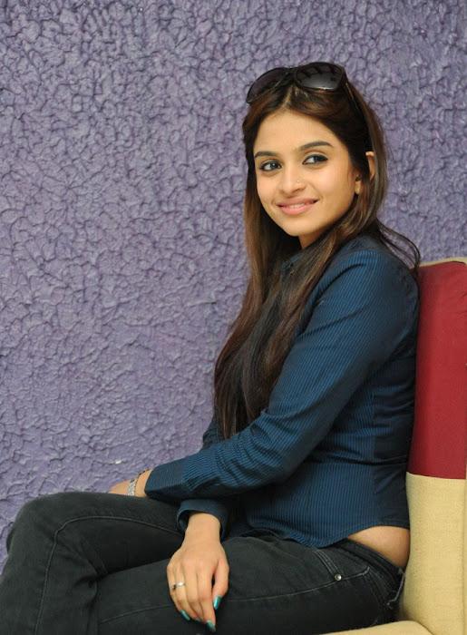 sheena shahabadi new , sheena glamour  images