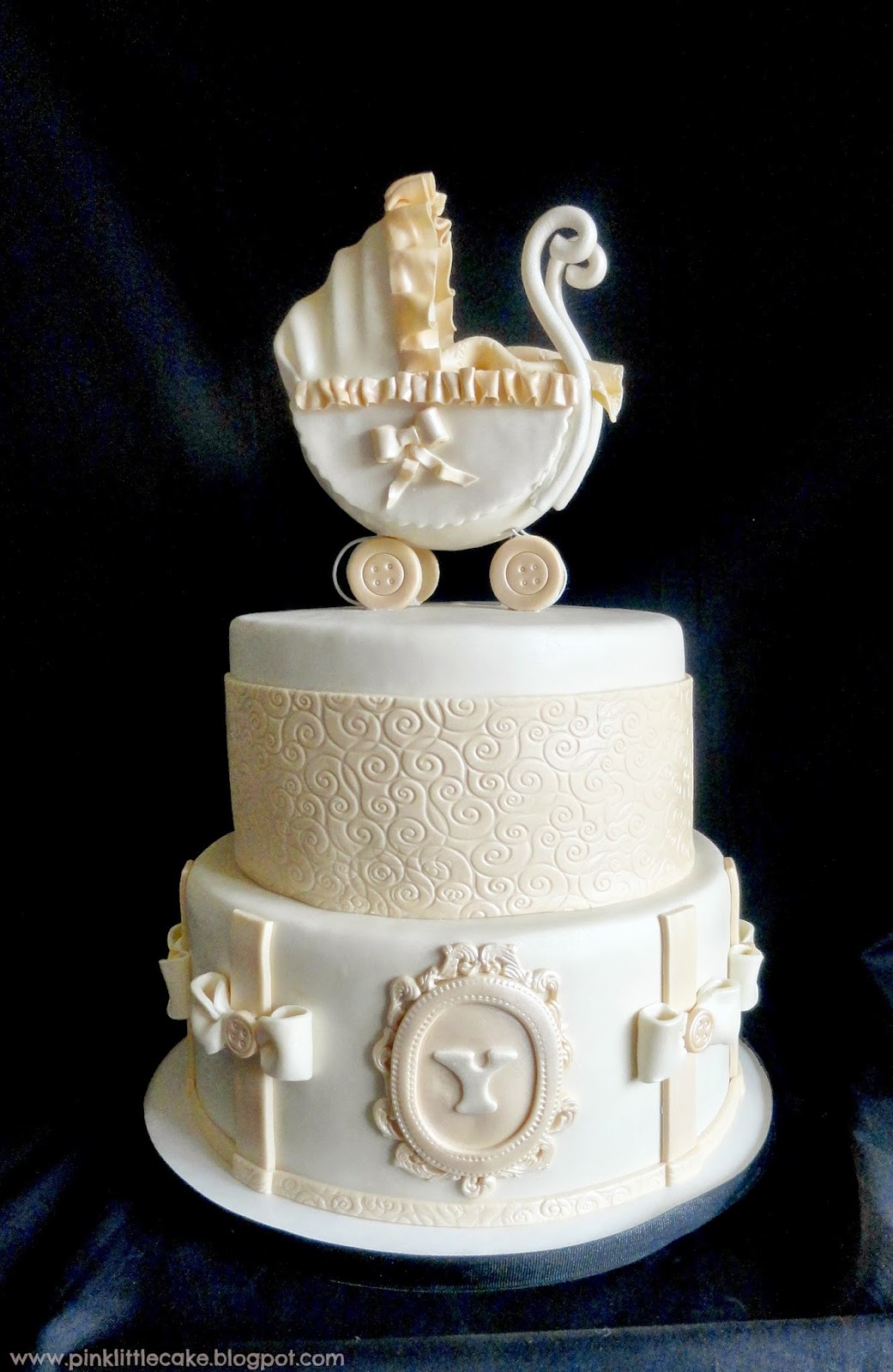 vintage baby shower cakes