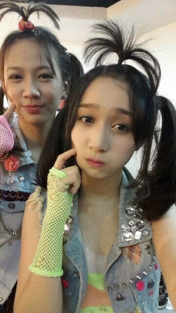 Foto lucu Shania dan Achan JKT48