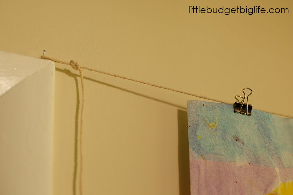Little Budget Big Life: Using Binder Clips to Create an Art Gallery