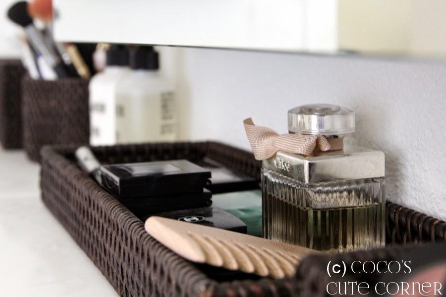 Bathroom, Chloe