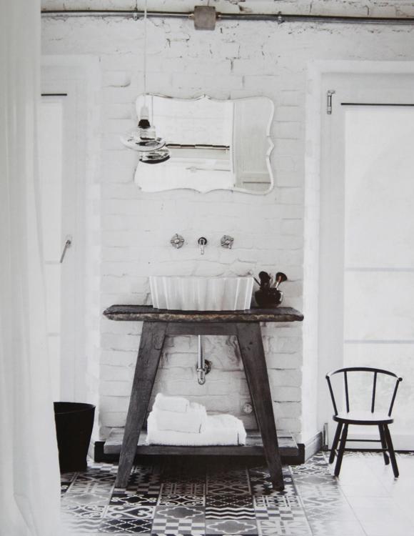 Tegelsten Kok : tegelsten kok  Hor ser man det fina golvet lite mer Tvottstoll