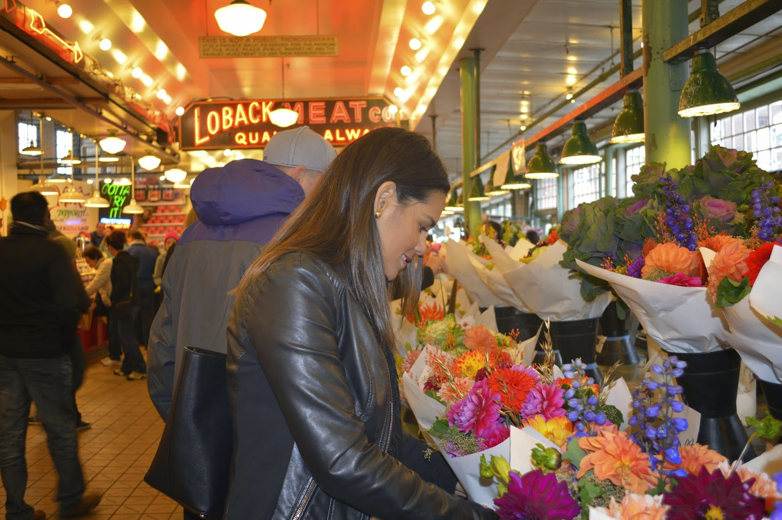 Marifer buying a flower bouquet