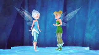 Gambar kartun TinkerBell dan PeriWinkle di atas lantai kristal