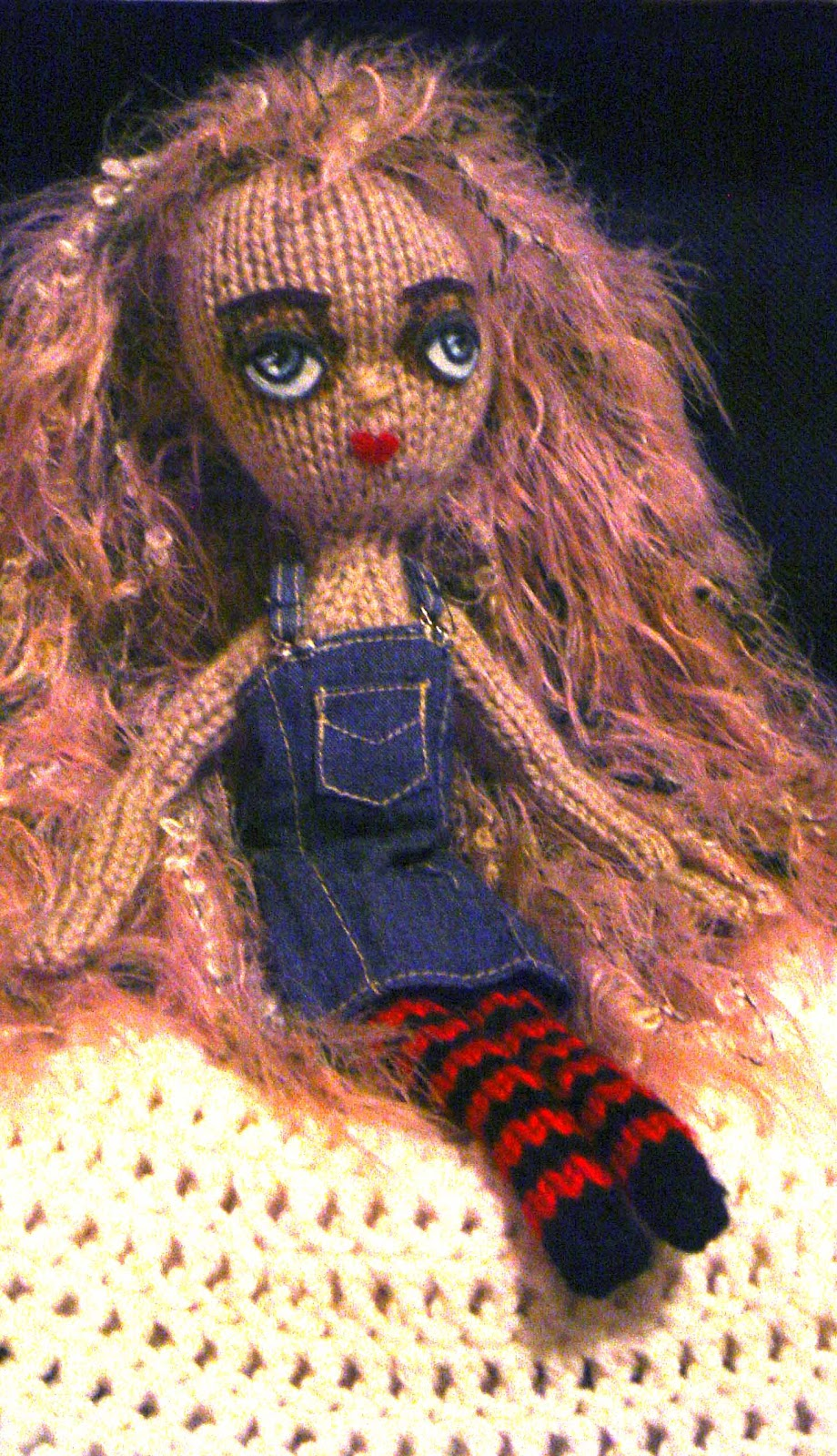 Fiona McDonald Her Blog: Travel Doll -new free pattern