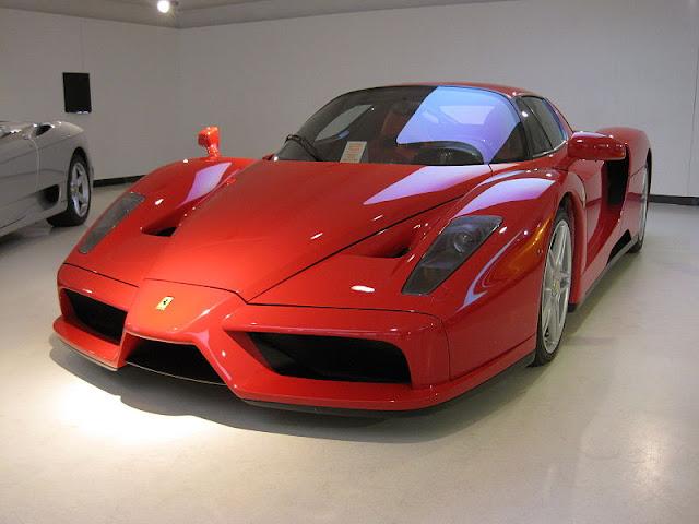 Gambar Mobil Sport Ferrari Enzo 04