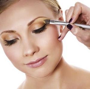 ... make up cantik di salon berikut adalah cara menggunakan make up eye