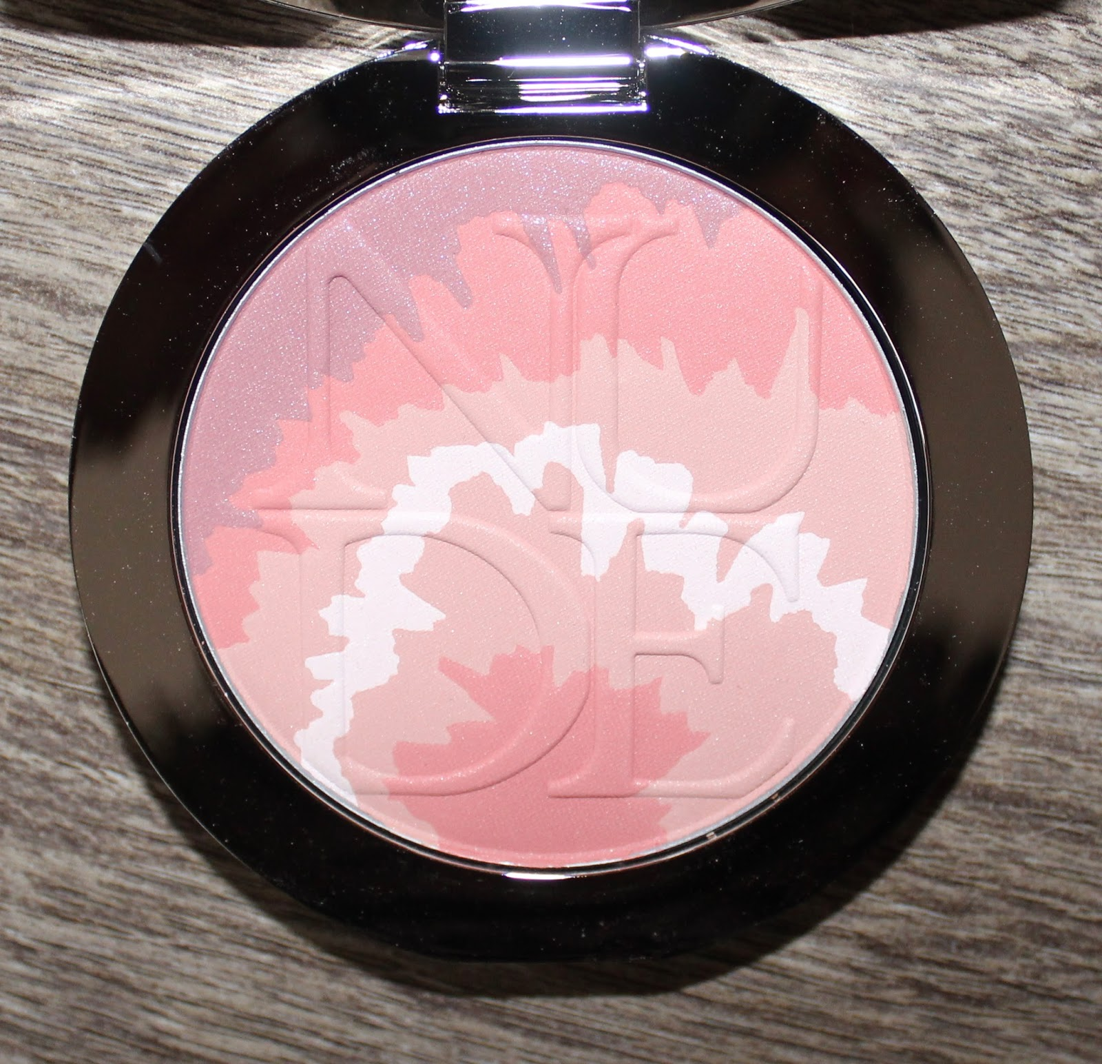 DiorSkin Nude Tan Tie Dye Edition Blush Harmony in Pink Sunrise