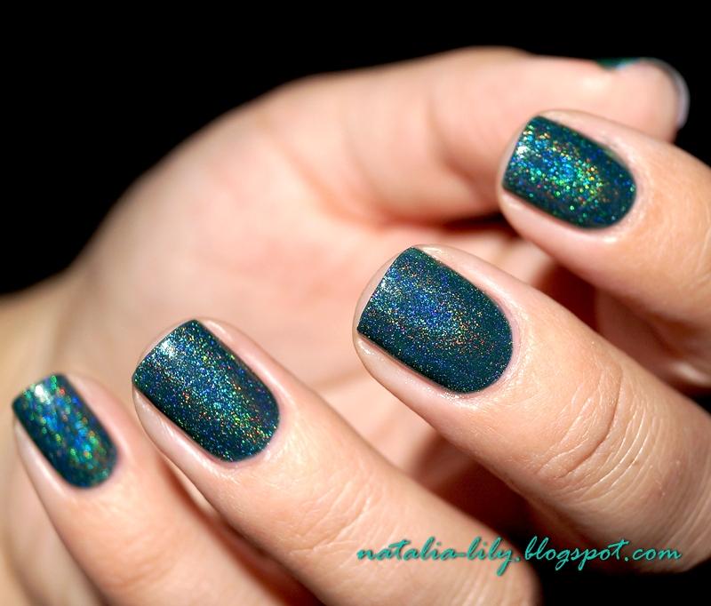 http://natalia-lily.blogspot.com/2014/11/born-pretty-store-green-holo-polish-12.html