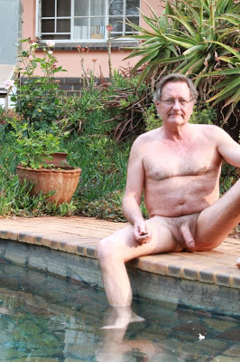 hairy senior outside - senior gay pictures