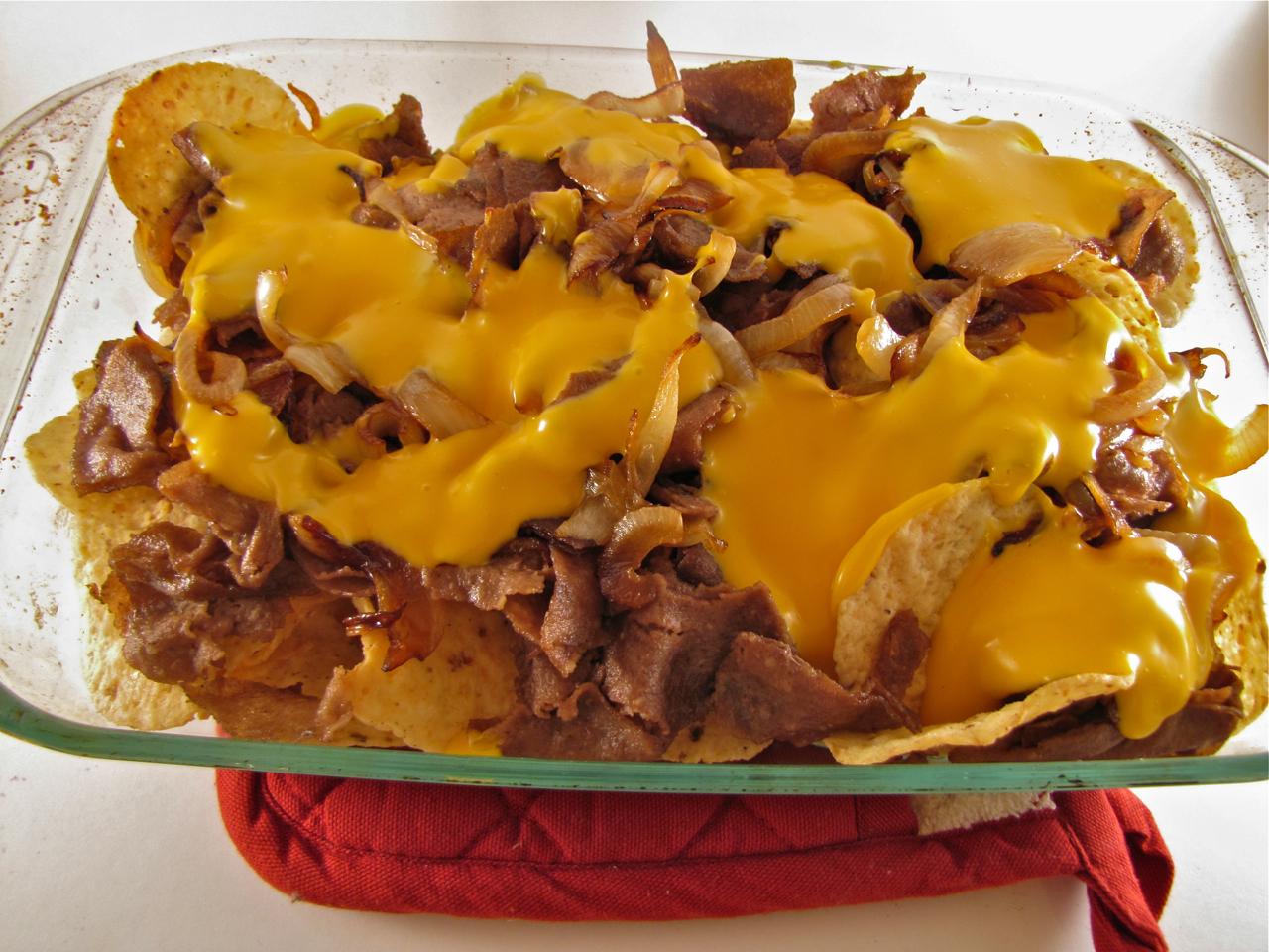 ChowGals: Philly Cheesesteak Nachos