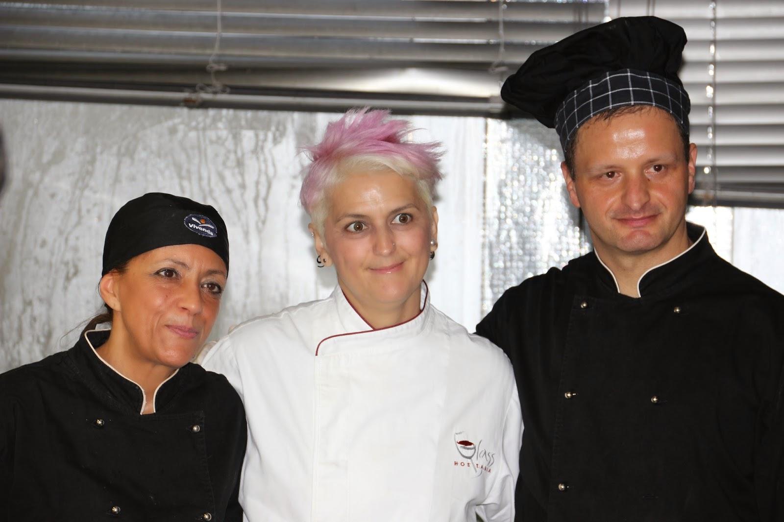 Cristina Bowerman con gli chef dellamensa regionale