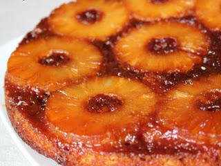 كعكة الأناناس بالكراميل