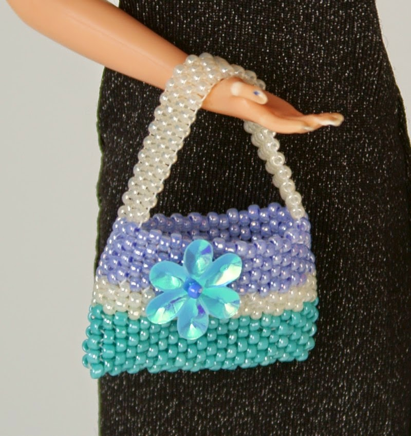 Sarah Plays Dolls!: When dolls meet beads...