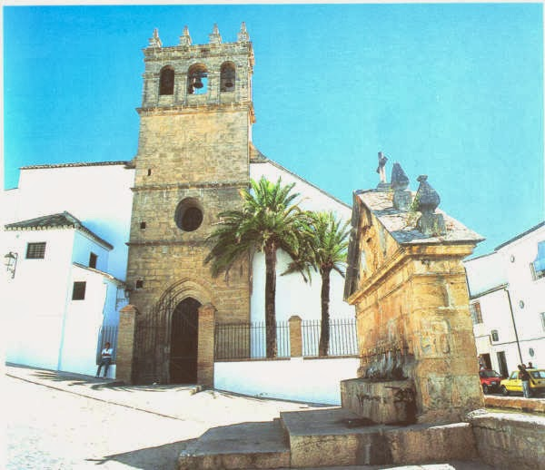 Iglesia de Padre Jesús y Fuente de los 8 caños