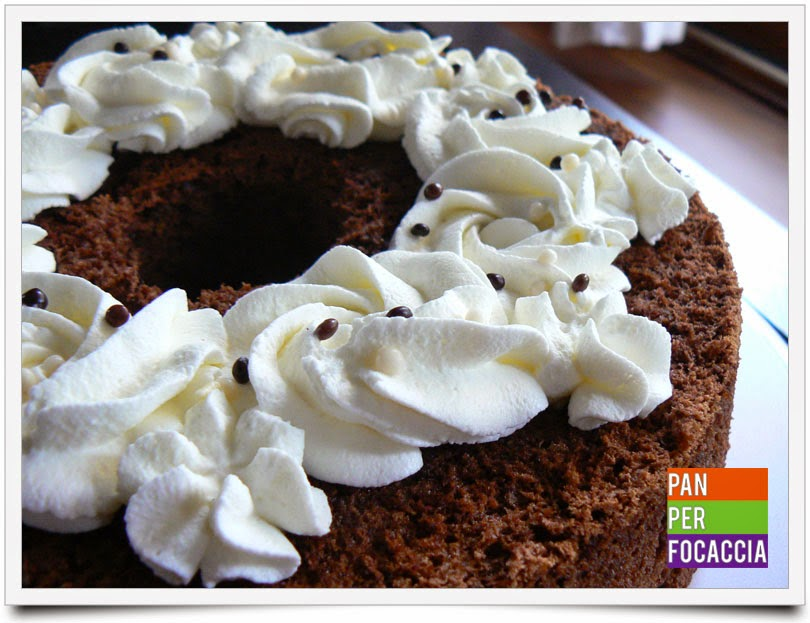 angel food cake al cioccolato con panna