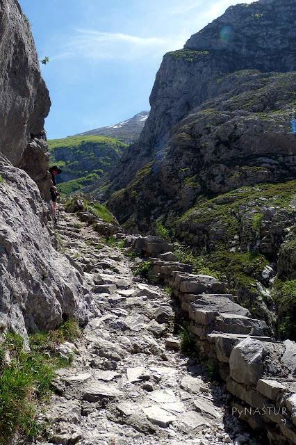 Sendero a Bulnes - Asturias