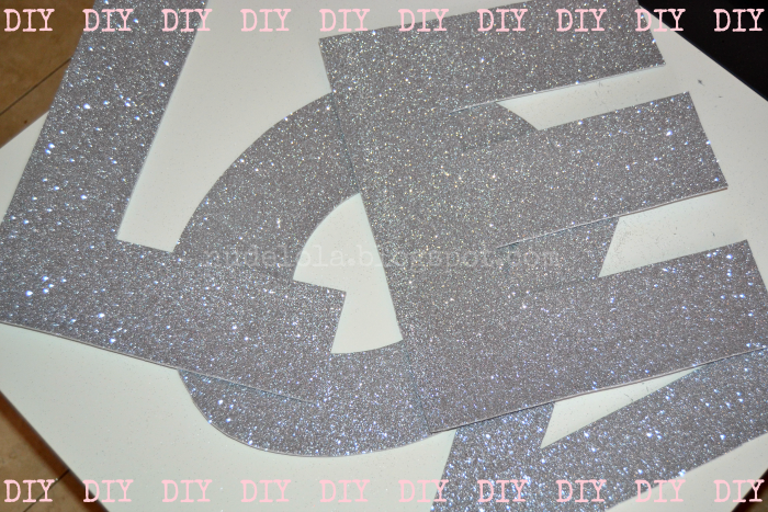 DIY_letras_purpurina_glitter_pared_gomaeva_love_nudelolablog_03