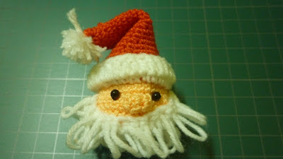 crochet santa free christmas pattern cute gift