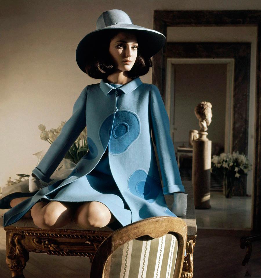 Bendetta Barzini wearing Mila Schon in Vogue US 1968 (photography: Henry Clarke)