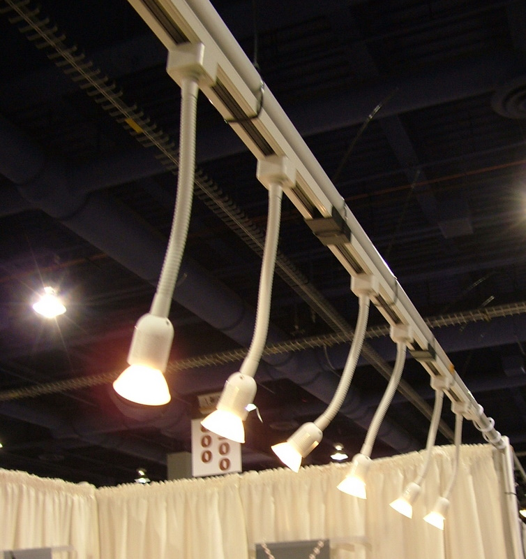 art track lighting. portable art gallery lighting track