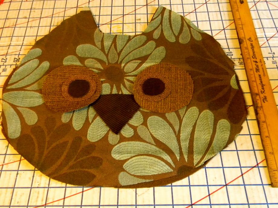 ROBOT Inside: Owl Pillow Tutorial - imagine gnats