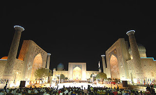 Samarkand Registan lit up for Sharq Taronalari  performance