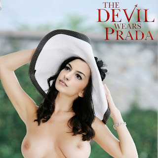 Anne Hathaway nude on The Devil Wears Prada cover UHQ