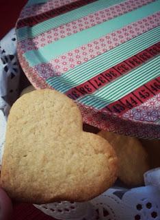 caja de galletas decorada con washi tape