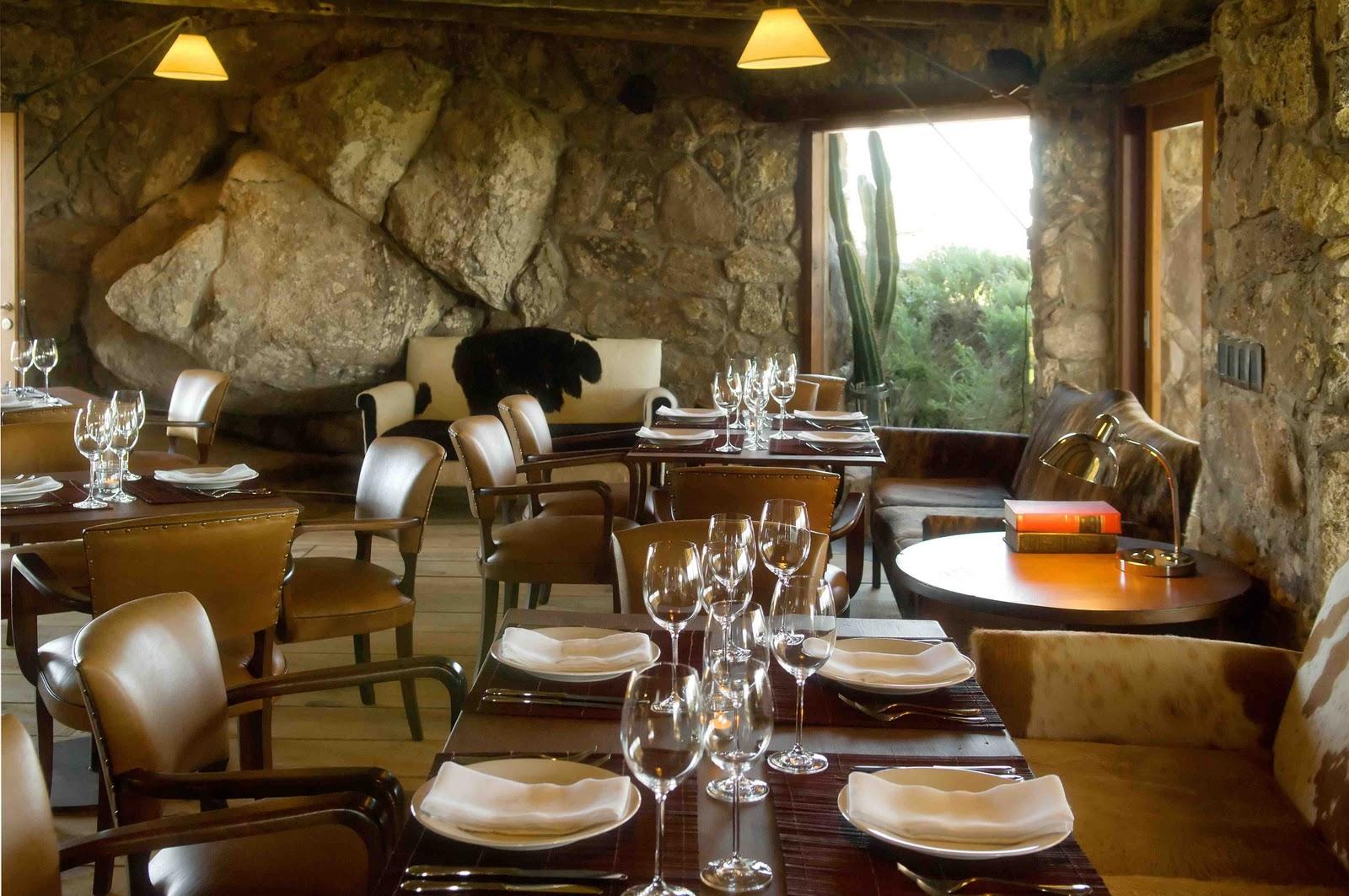 Urbina vinos blog los mejores bares y restaurantes seg n for Mobiliario rustico para bares