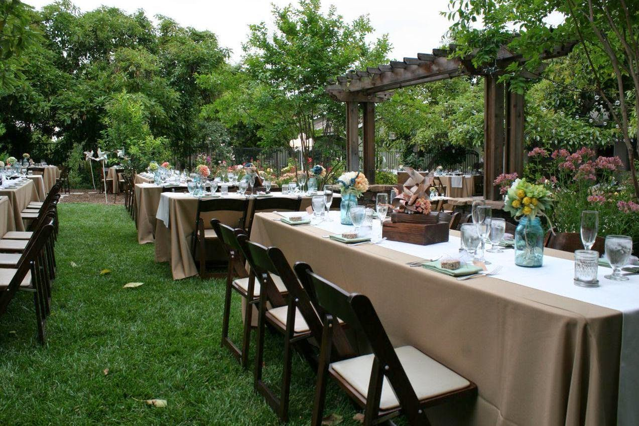 Backyard wedding ideas on a budget for Yard decorating ideas on a budget
